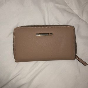 NWOT call it spring champagne / beige clutch